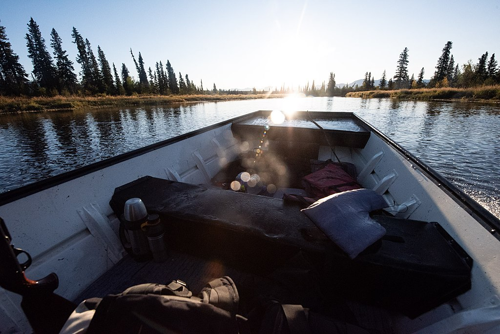 克拉克湖國家公園暨保護區 (Photo by National Park Service, 圖片來源npgallery.nps.gov/AssetDetail/0c2bdf85-2fe0-484e-8369-cf2e3cb804c5)