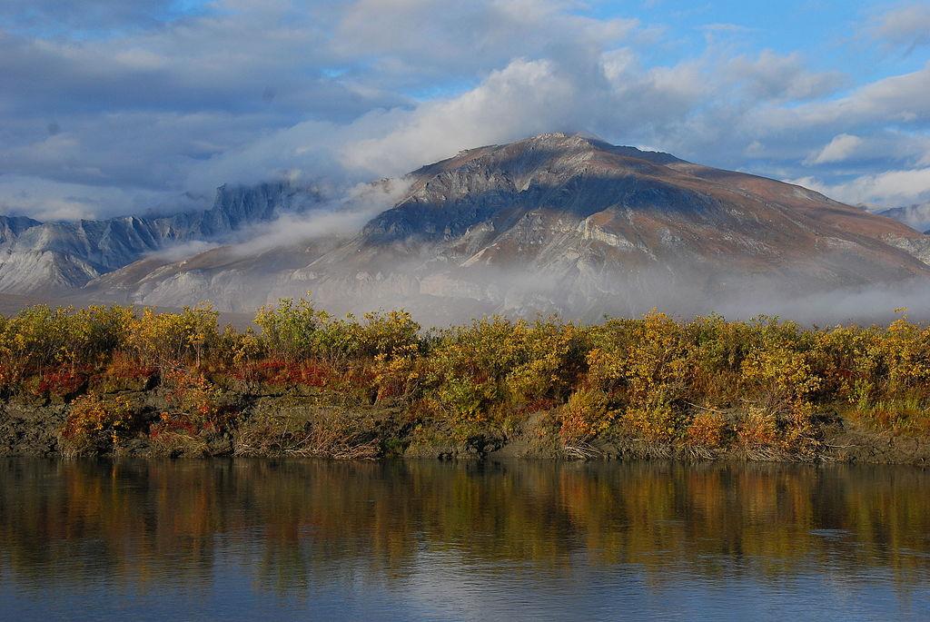 北極門國家公園暨保護區 (Photo by National Park Service, Alaska Region / Penny Knuckles, License: CC BY 2.0, 圖片來源www.flickr.com/photos/alaskanps/16524226930)