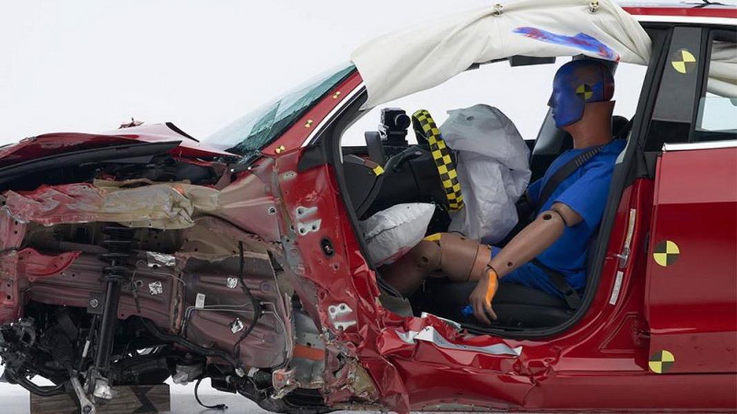 圖/Tesla Model 3在IIHS碰撞測試中,獲得Top Safety Pick +最高安全評級。
