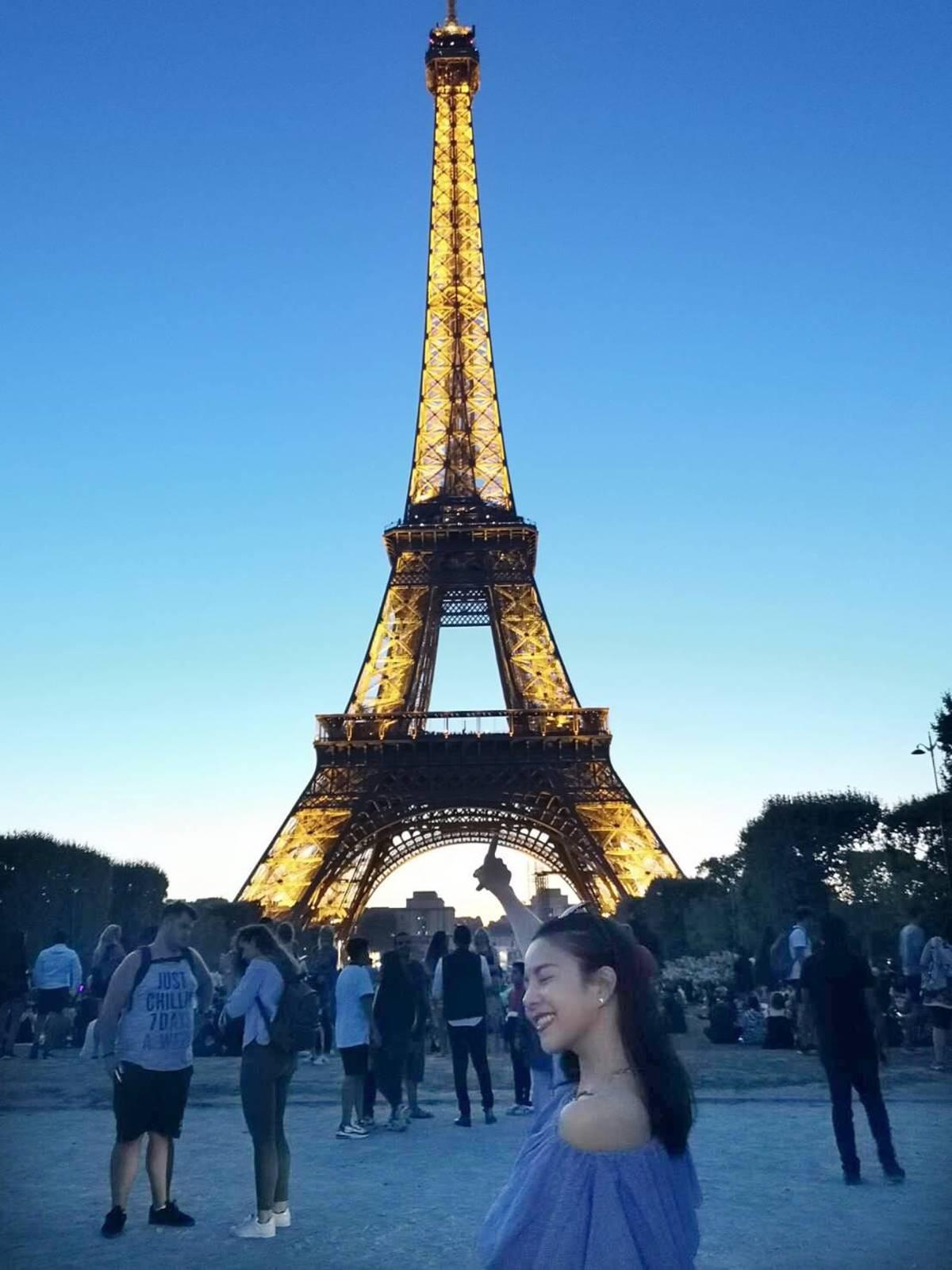 ▲從飯店就可以欣賞巴黎鐵塔,讓劉馨如大讚。