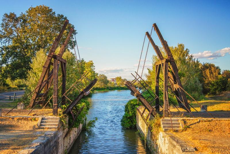圖/梵谷的畫作《亞爾吊橋》實景。