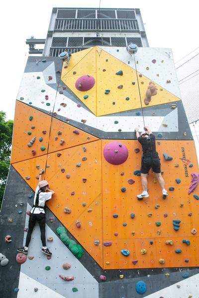 攀岩競技挑戰體力。攝影/李文欽