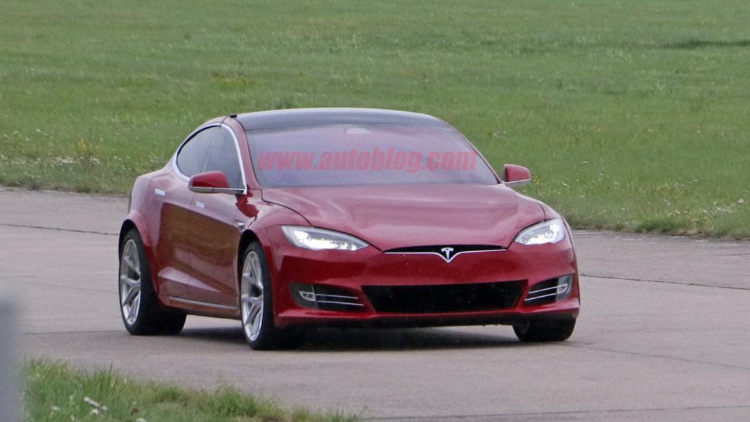 圖/Elon Musk再出招!Tesla Model S將挑戰Porsche Taycan Turbo S?