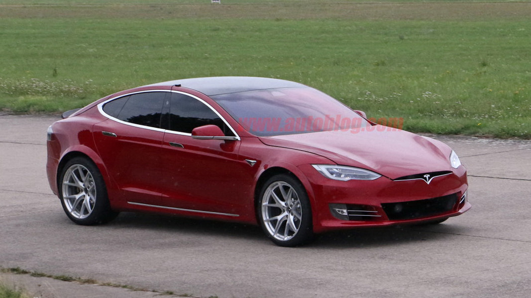 圖/日前Elon Musk透露Tesla Model S將前進紐柏林北環賽道,挑戰Porsche Taycan Turbo S創下的紀錄。