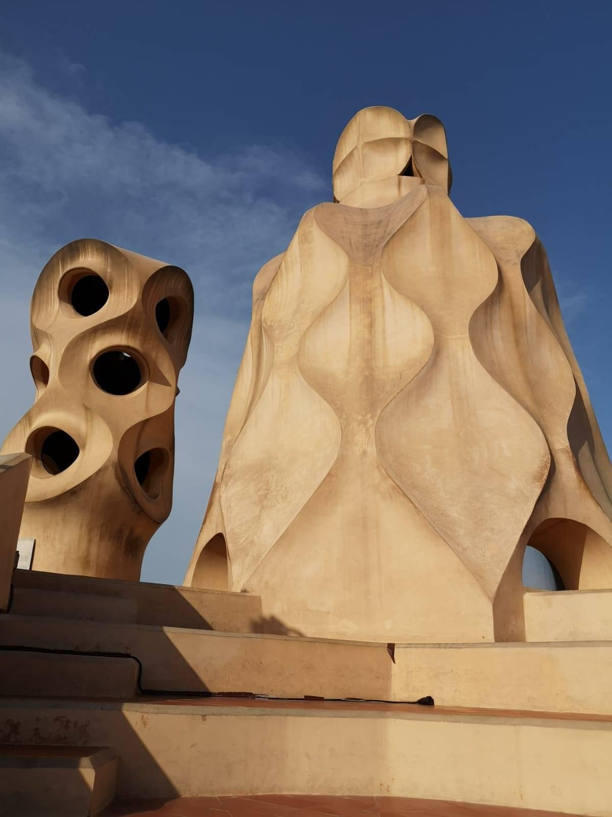 ▲劉馨如大讚米拉之家建築很特別,推薦到西班牙一定要參觀。