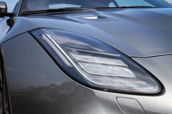 炯炯有神的LED大燈搭配,讓車頭更具跑格氛圍。 版權所有/汽車視界