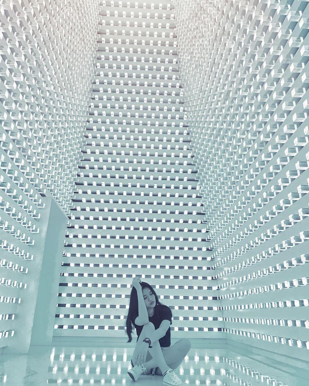3樓的水晶光廊,也是網友熱愛的打卡景點。