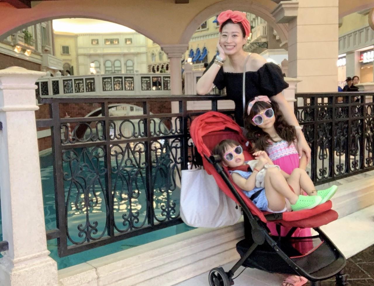 ▲趁著還沒卸貨前,小閃和友人赴澳門行展開三打三的親子旅遊。