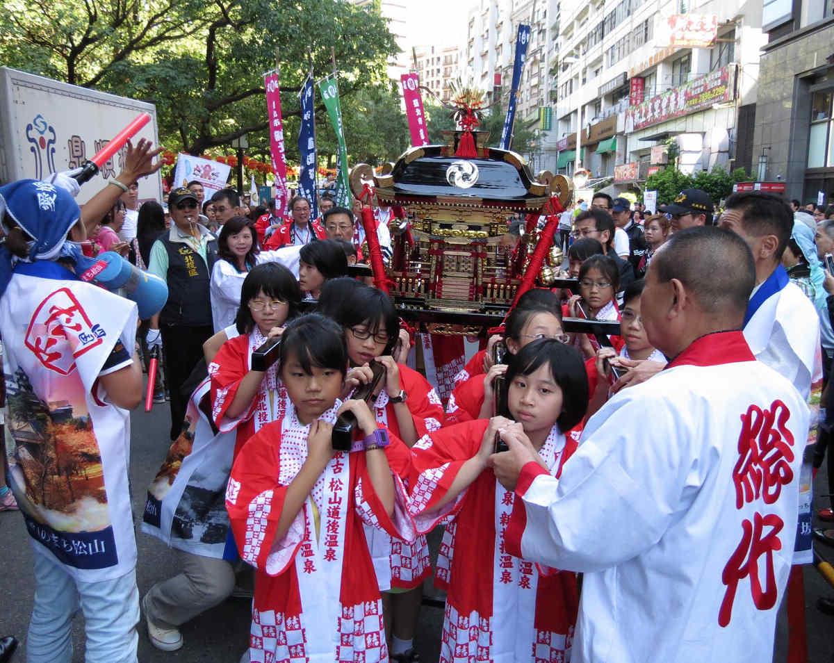 兒童神轎踩街資料照(圖片來源:台北旅遊網)