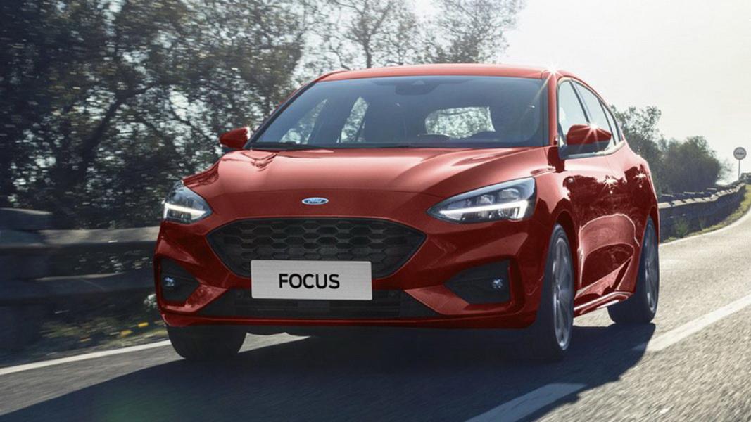 圖/2019 Ford Focus 5D ST-Line車頭充滿無比氣勢感,Ford家族式前格柵設計,與橫向的LED燈具組融為一體極具辨識度。