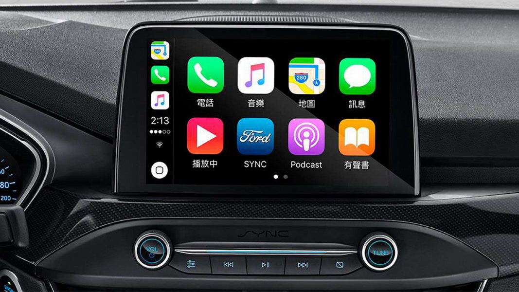 圖/2019 Ford Focus 5D ST-Line雙側前門與儀錶板無縫銜接,營造出寬敞環抱式的視覺感,全車系皆標配8吋懸浮式全彩LCD觸控螢幕。