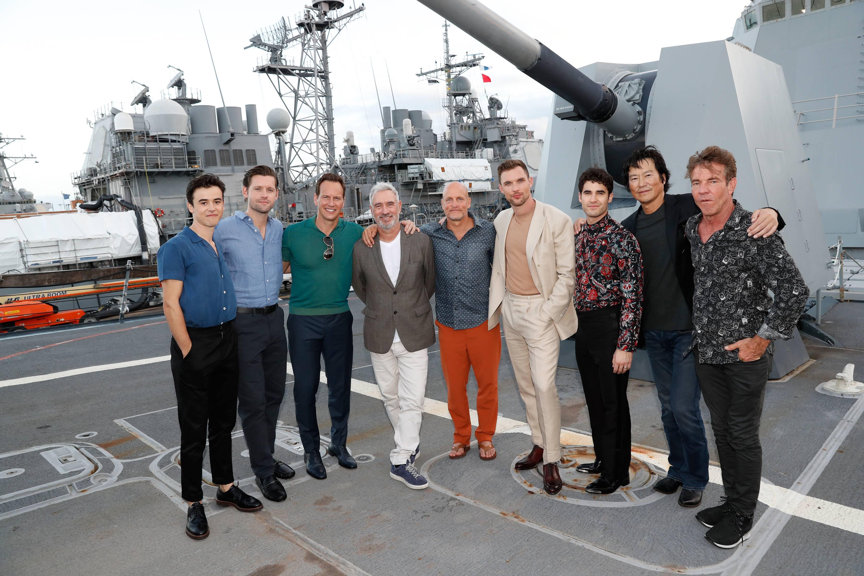 夏威夷軍港特映 好萊塢明星排排站甲板