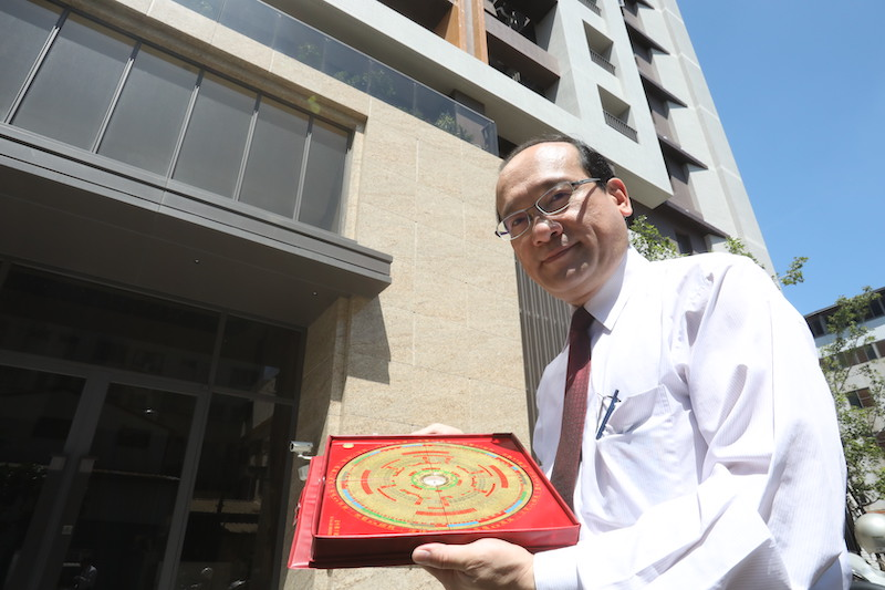 ▲名門命學研究中心老師楊登嵙,是風水領域的專家。
