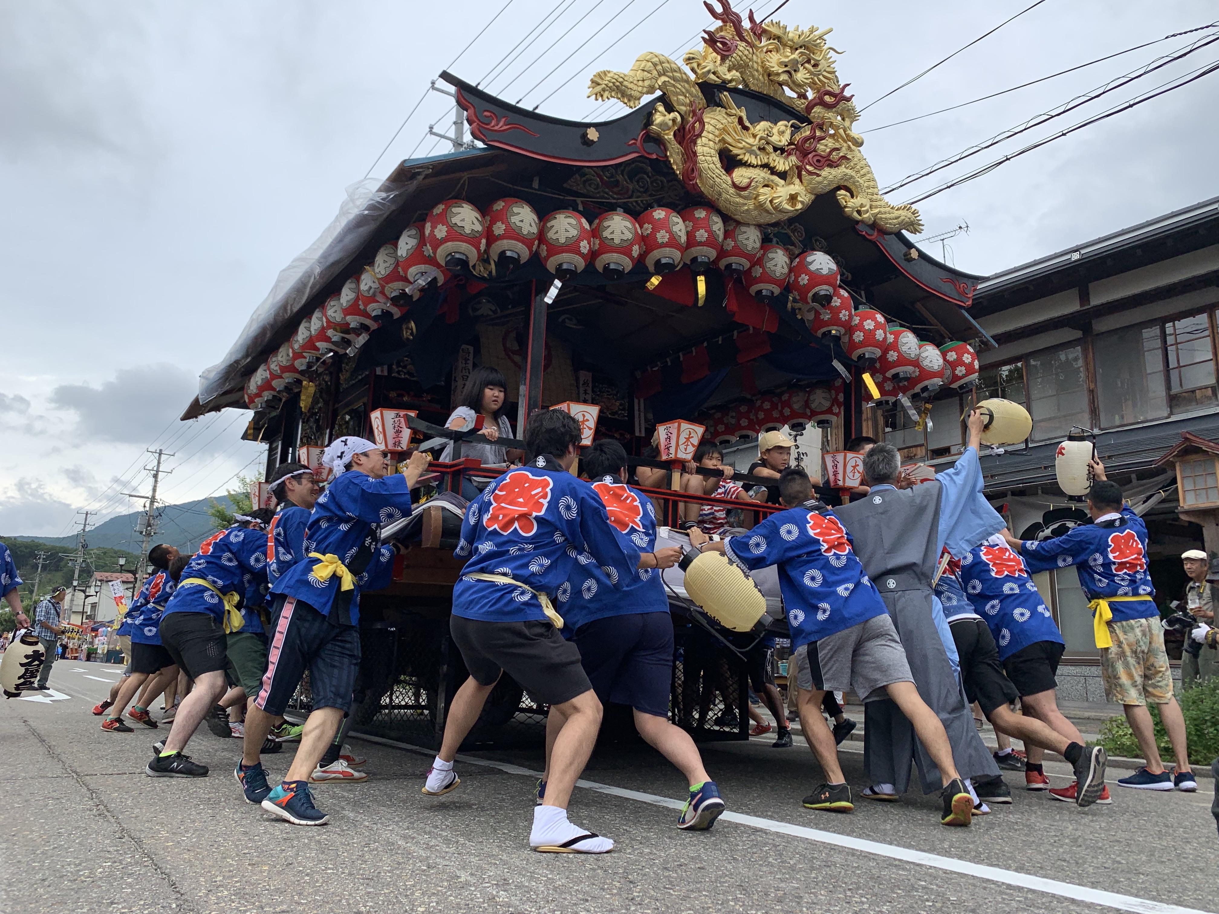 「會津田島祇園祭」喧嘩屋台相當刺激。
