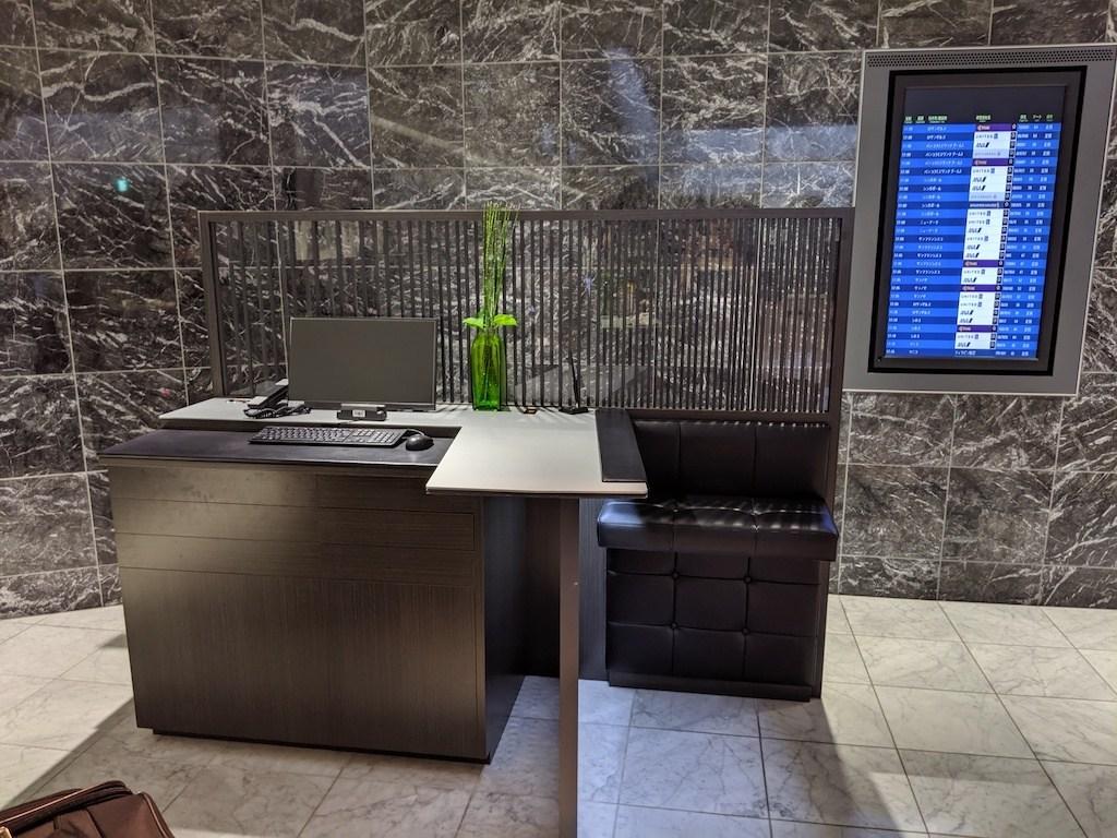 這就是Check-In櫃檯,很像去銀行XD