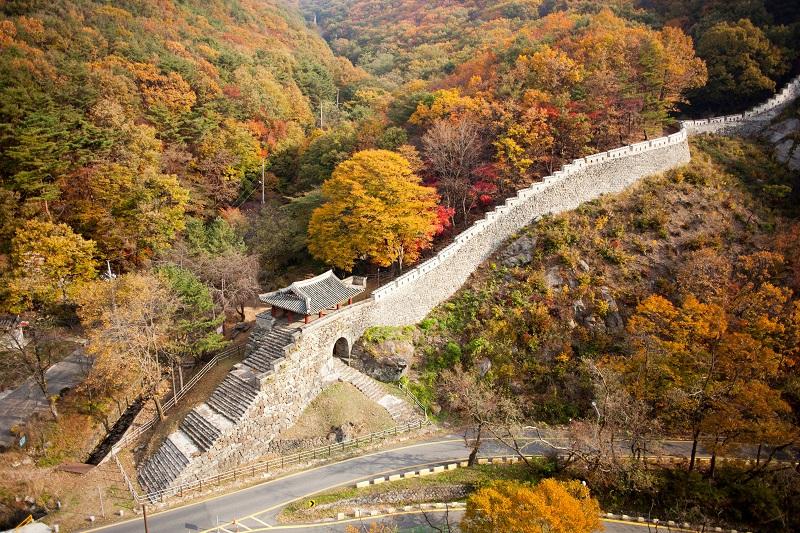 高處鳥瞰廣州南漢山城(圖/京畿觀光公社)