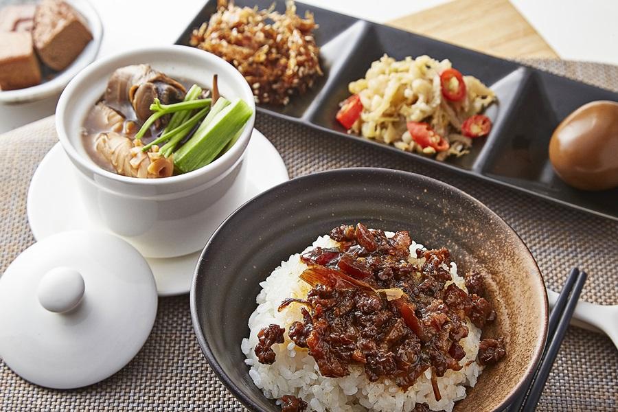 古早味滷肉飯、魷魚螺肉蒜湯套餐。攝影/張晨晟