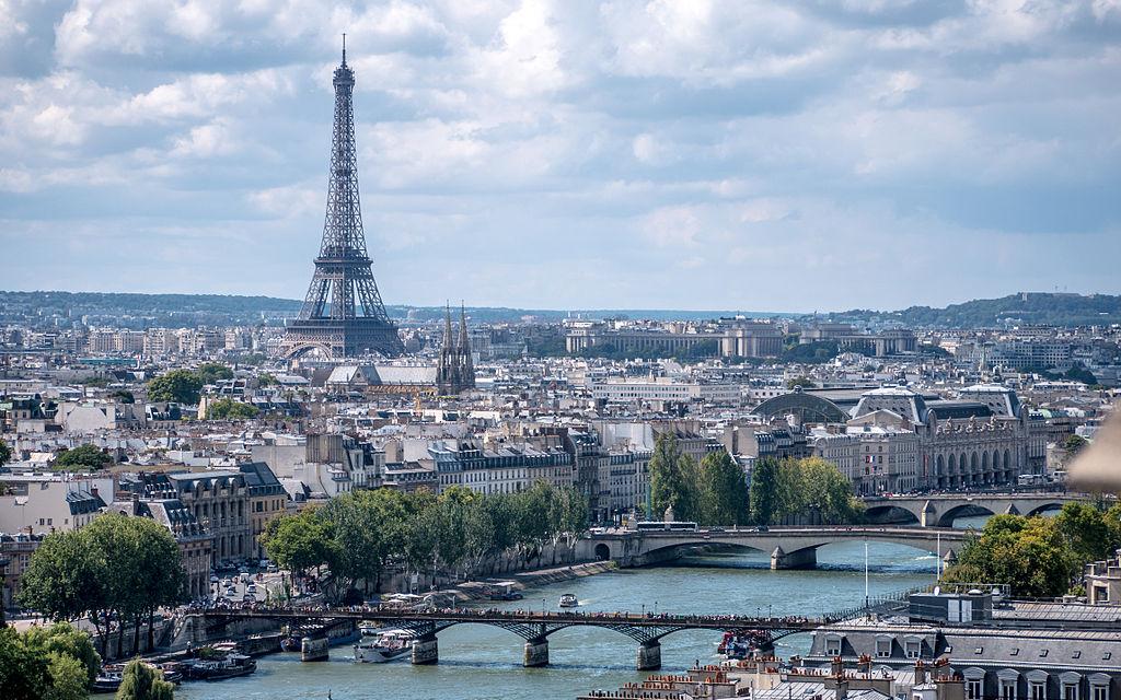 巴黎天際線 (Photo by Yann Caradec from Paris, France, License: CC BY-SA 2.0, 圖片來源www.flickr.com/photos/la_bretagne_a_paris/15014879305)