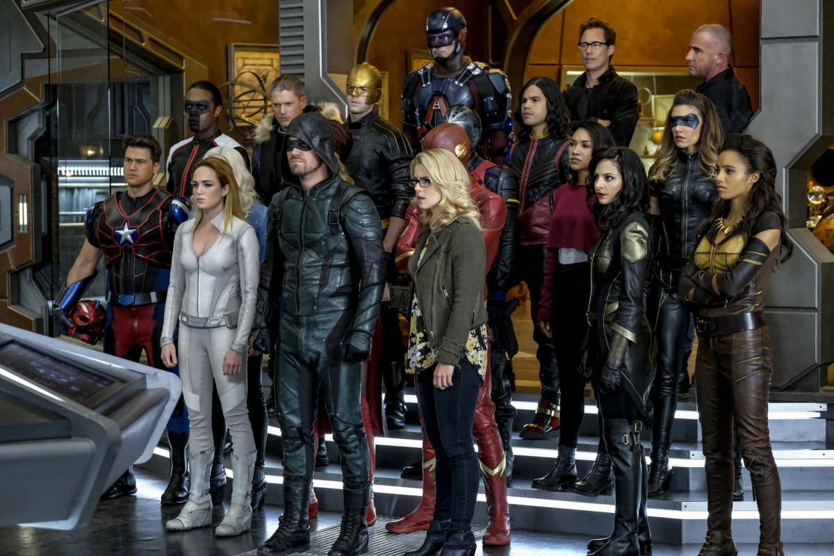2017年CW「綠箭宇宙」交叉集事件劇照