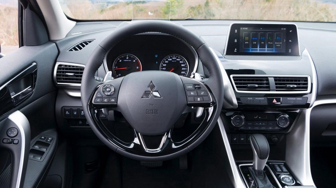 圖/2019 Mitsubishi Eclipse Cross卓越型與2020 Mazda CX-30 2.0旗艦進化型之雙雄較量。