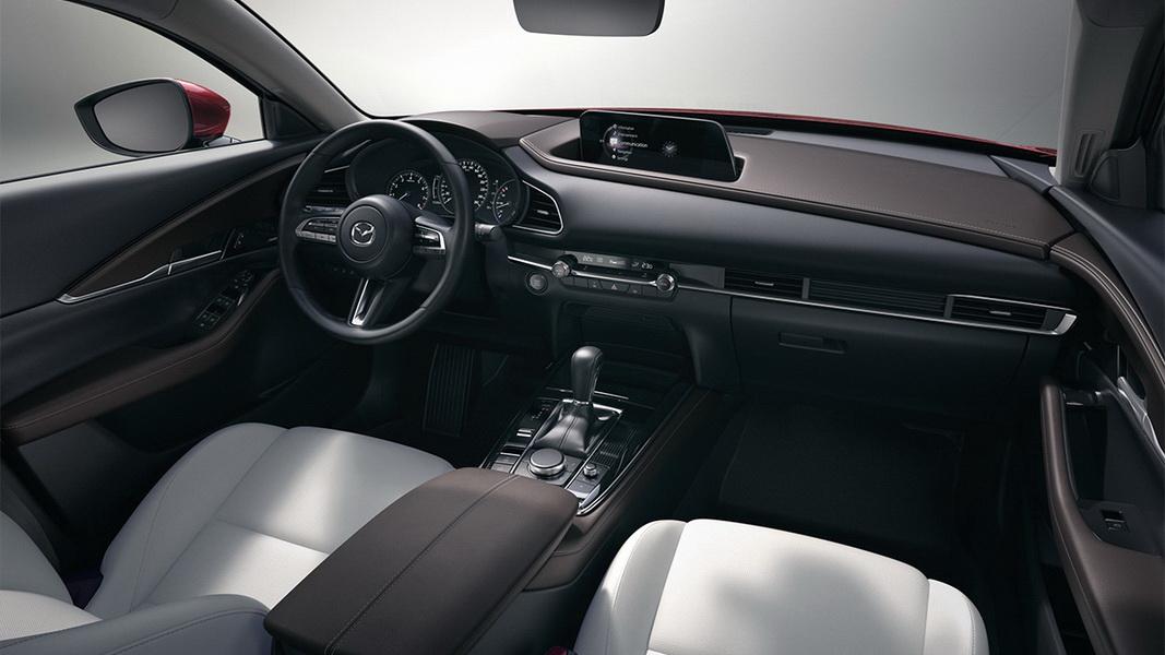 圖/2020 Mazda CX-30 2.0旗艦進化型,座艙設計強化駕駛與車輛之間互動,導入全新HMI人因工程技術,甚至還與心理學家合作,希望給予車主愉悅的行車體驗。