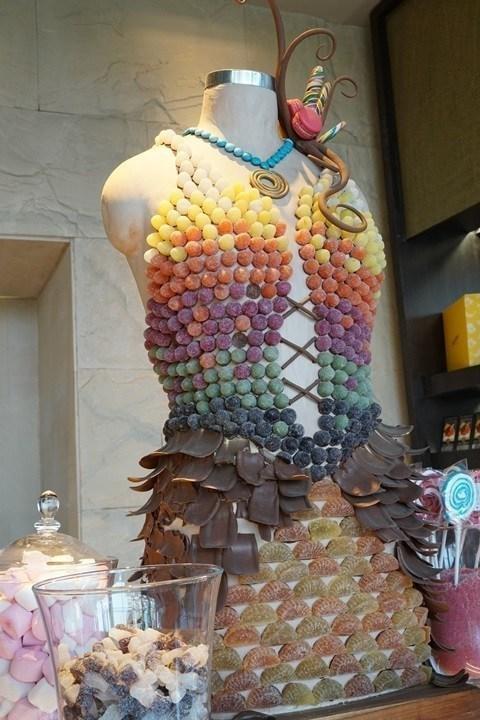 糖果店也要來藝術一下。