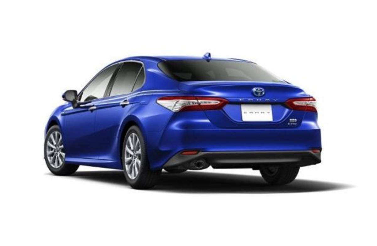 繼先前小改款 Prius 之後,Camry 也增加 E-Four 四輪電子驅動系統。