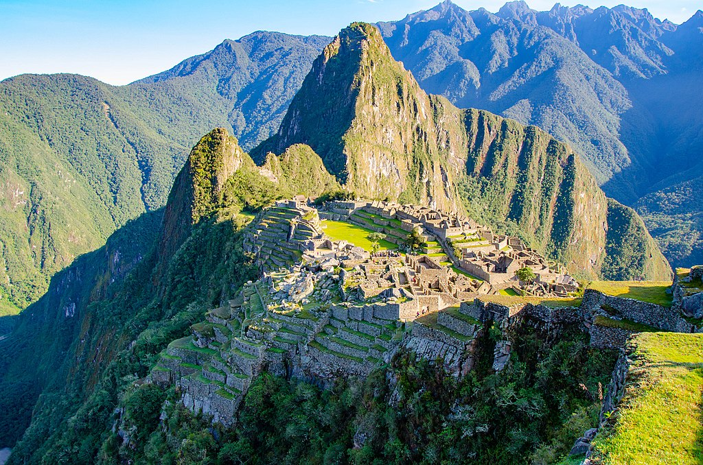 馬丘比丘 (Photo by Harald Johnsen, License: CC BY-SA 3.0, 圖片來源web.500px.com/photo/181624843/early-morning-Machu-Picchu-by-Harald-Johnsen)