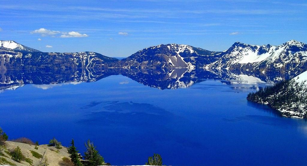 火山口湖 (Photo by Oregon Department of Transportation, License: CC BY 2.0, 圖片來源www.flickr.com/photos/oregondot/11409306174)