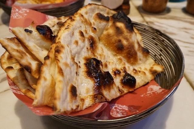 印度薄餅 (Naan) 來這裡算是必點,地位應該相當於華人的白飯吧!