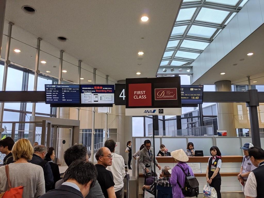 登機時有專門區域登機,這次頭等艙最後總共有6個座位有人,算是生意非常好