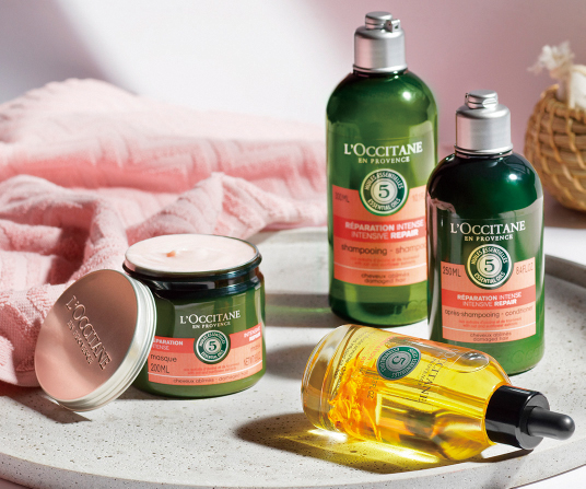 歐舒丹草本修護系列根本就是乾燥受損髮質的救星,長時間使用,幫助養成真正健康強韌的髮絲