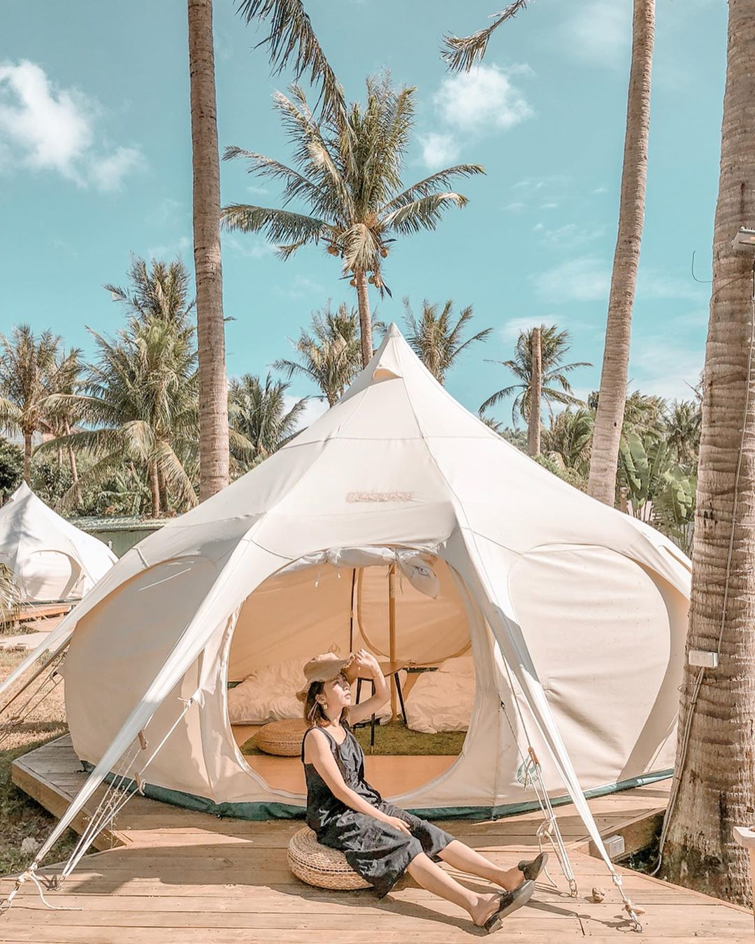 海邊的豪華帳篷,提供宛如身在海島的度假體驗。