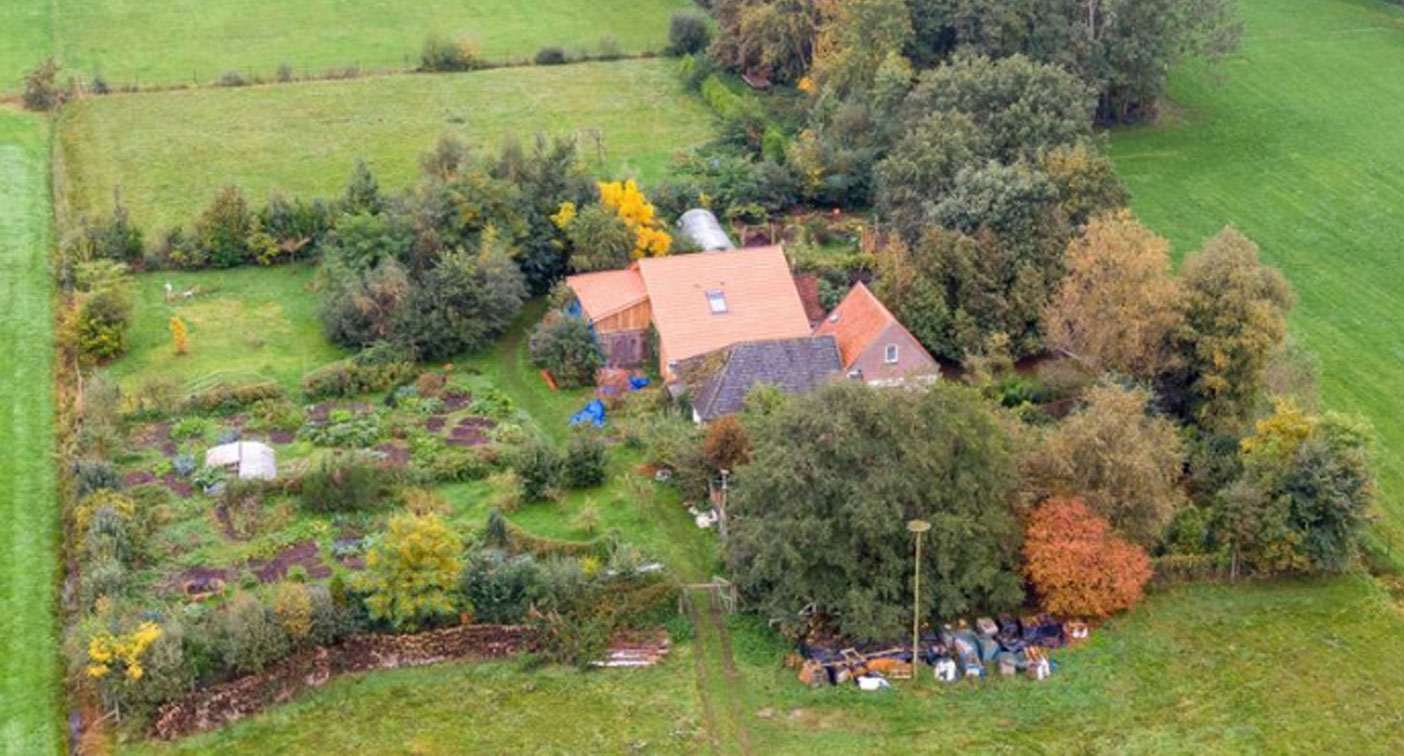 Drenthe farmhouse mystery: police searches and old neighbours speak