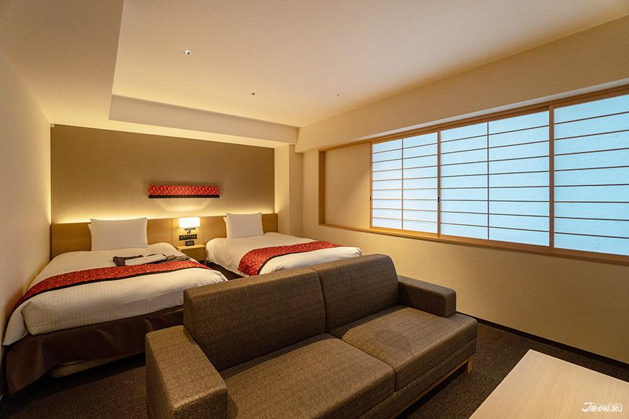 簡約設計的客房