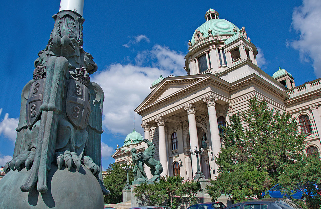 塞爾維亞國會大廈 (Photo by ZoranCvetkovic, License: CC BY-SA 3.0, Wikimedia Commons提供)