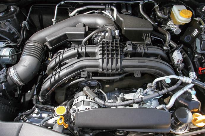 舒適平穩採用了水平對臥四缸自然進氣引擎,其最大馬力也來到153hp/6000rpm,最大扭力達到20.0kgm/4000rpm,整體動力輸出表現舒適平穩,於起步時可以感受到相當輕快的加速表現,但是無段自排變速箱到了尾速則有趨於緩和的跡象。版權所有/汽車視界