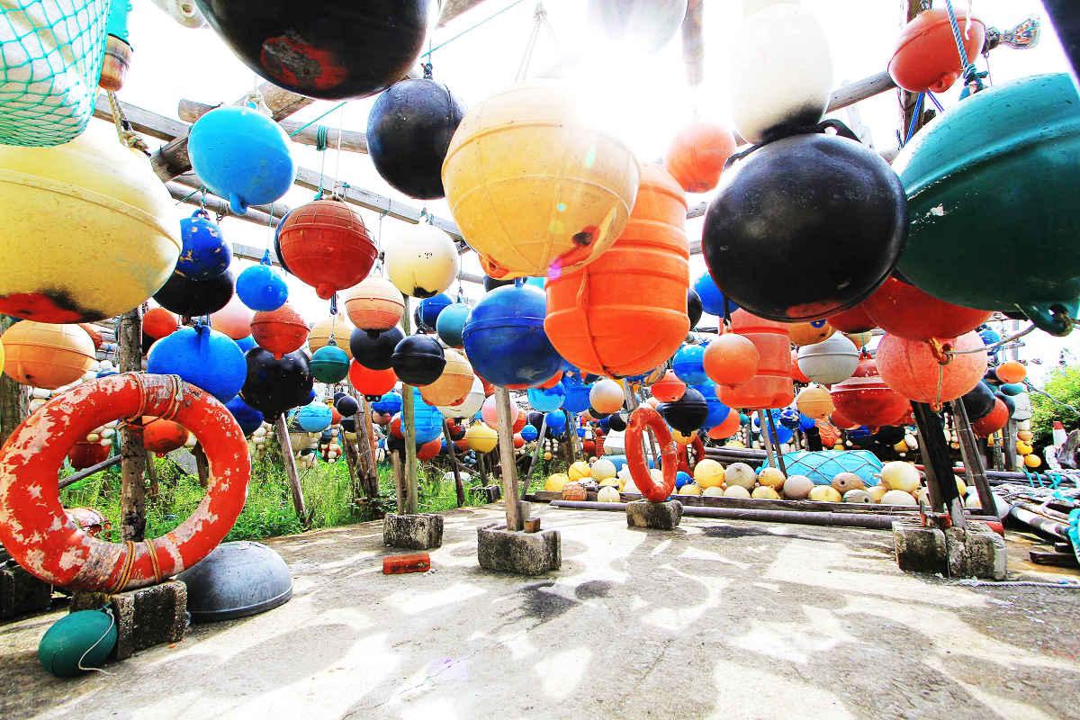 彩色浮球裝置藝術 澎湖逍遙遊(圖片來源:澎湖逍遙遊)