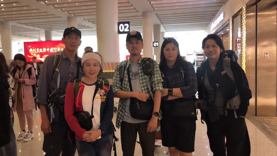 ▼▲謝麗金和朋友從台北搭飛機抵達雲南,再轉車前往大理。