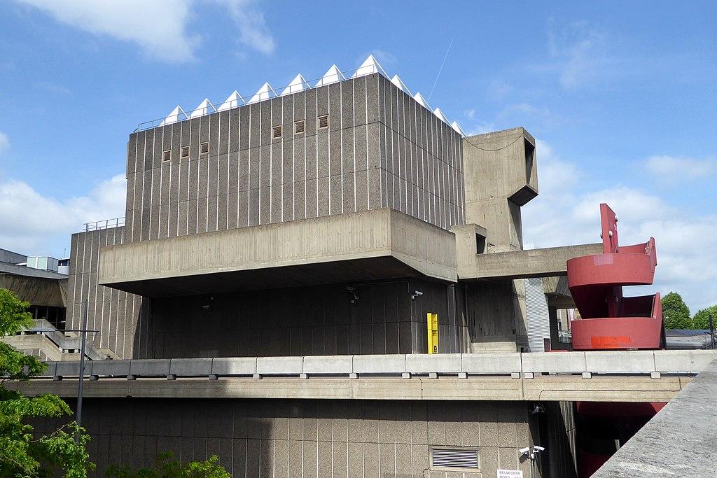 海沃德美術館 (Photo by Ethan Doyle White, License: CC BY-SA 4.0, Wikimedia Commons提供)