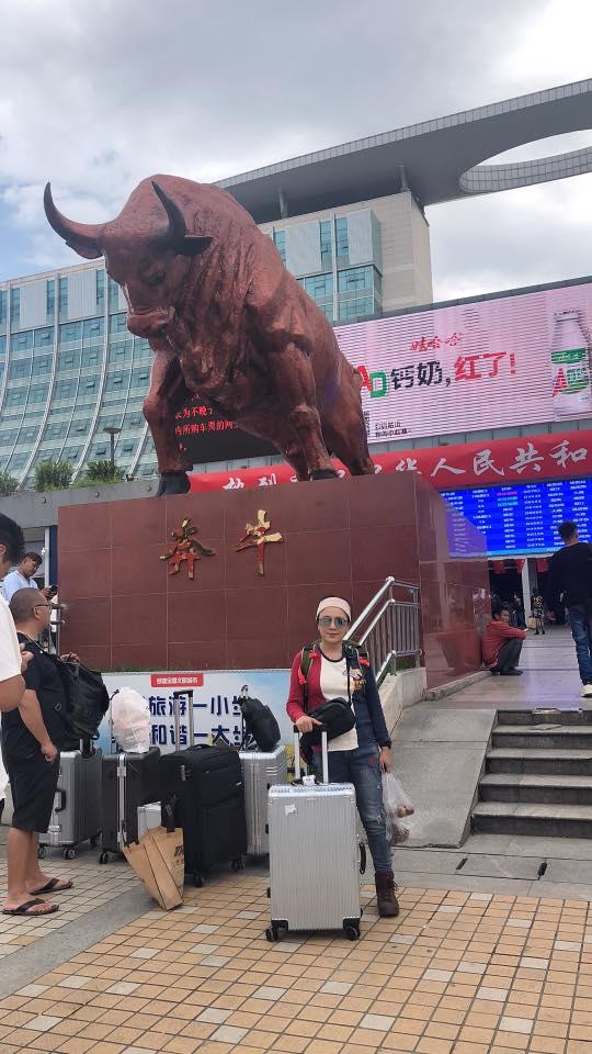 ▲謝麗金和朋友從台北搭飛機抵達雲南,再轉車前往大理。
