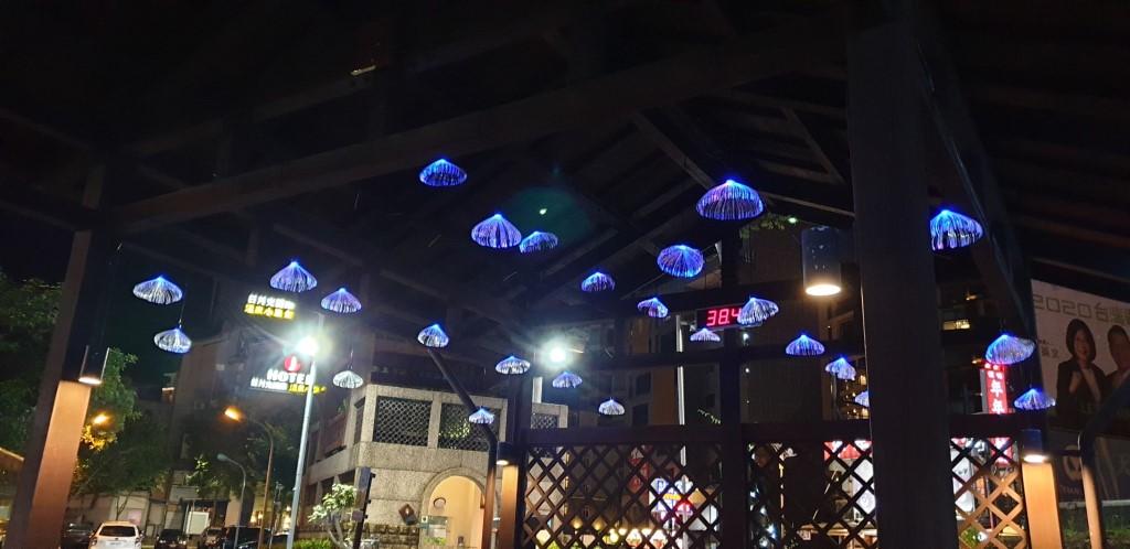 地景廣場-泡腳池水母燈(圖片來源:礁溪觀光旅遊網)