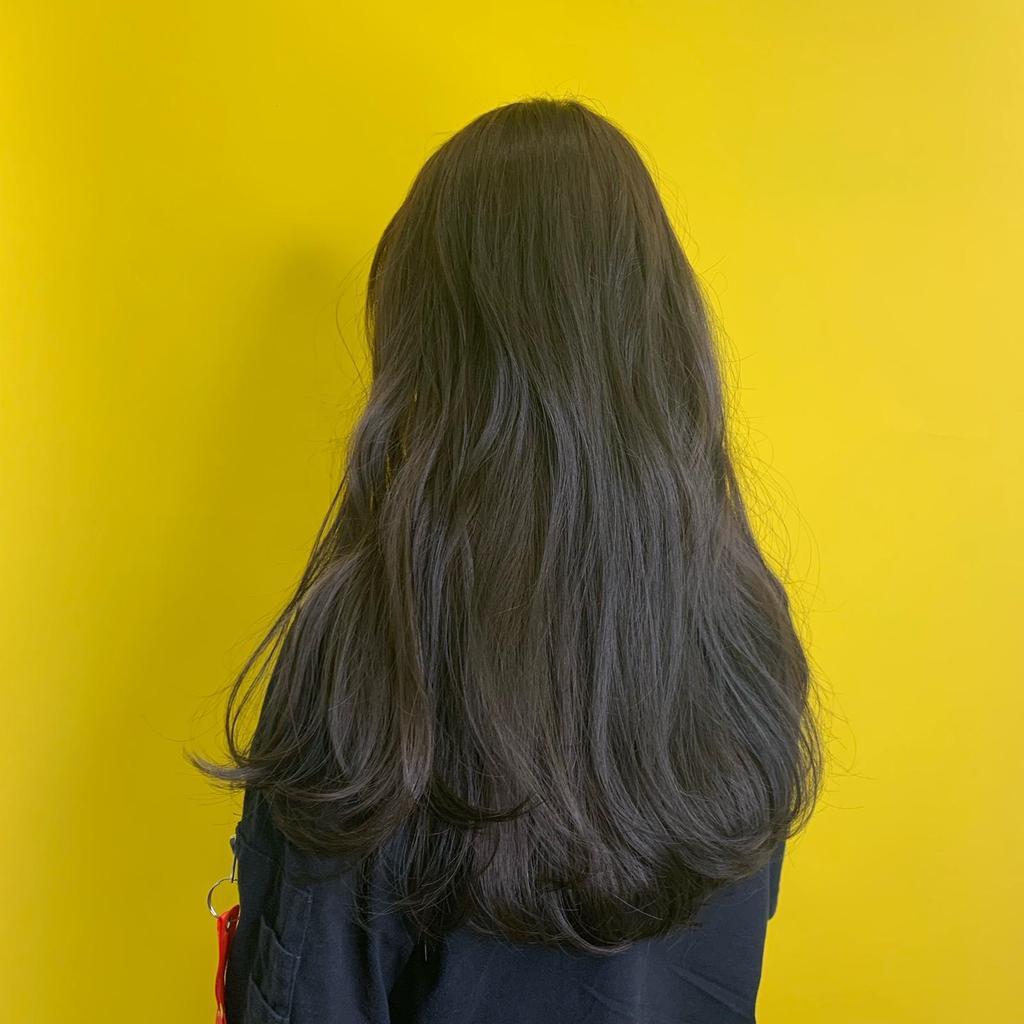 這這這...髮色封它為最佳髮質擔當不為過吧!有圖有真相!女孩們快指名妳的設計師,就要這一款~