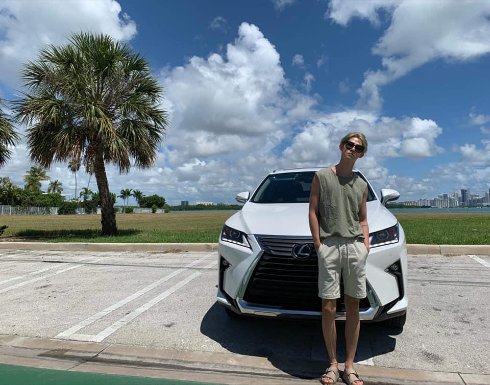 【明星聊愛車】夏和熙因「大空間」購入五門七人座Lexus RX 350L 驚恐車上「這東西」絕不能外流