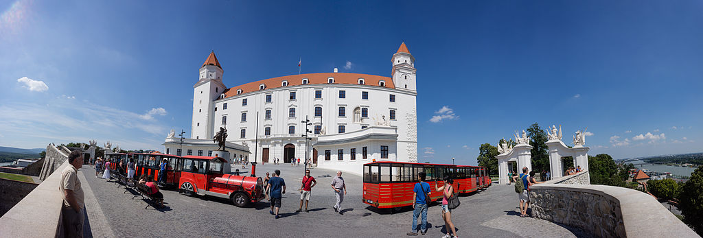 布拉提斯拉瓦 (Photo by Christian Barth, License: CC BY-SA 3.0, Wikimedia Commons提供)