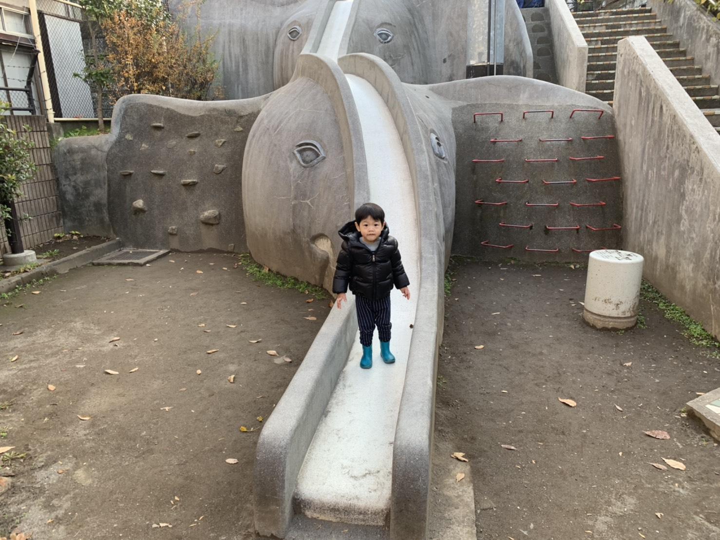位於神樂坂的あかぎ兒童遊園隱身在巷弄當中,要小心不要錯過了!