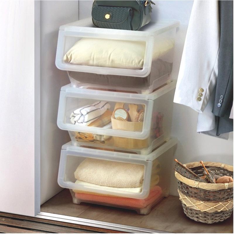 ▲透明箱盒的運用,可以讓衣物收納事半功倍。(圖片來源:Yahoo購物中心)