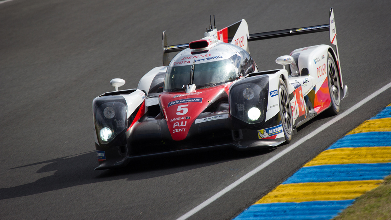 By Kevin Decherf from Nantes, France - TOYOTA GAZOO Racing - Toyota TS050 Hybrid #5, CC BY-SA 2.0, https://commons.wikimedia.org/w/index.php?curid=49614710