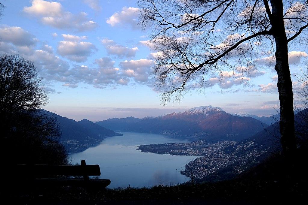 馬焦雷湖 (Photo by Maurer Christine, License: CC BY-SA 4.0, Wikimedia Commons提供)