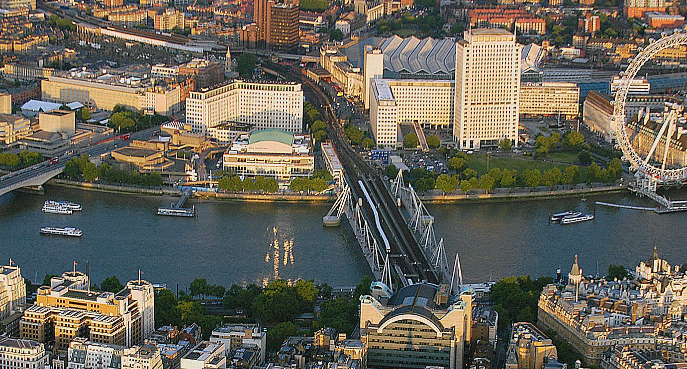 海沃德美術館 (Photo by Opringle at English Wikipedia, Wikimedia Commons提供)